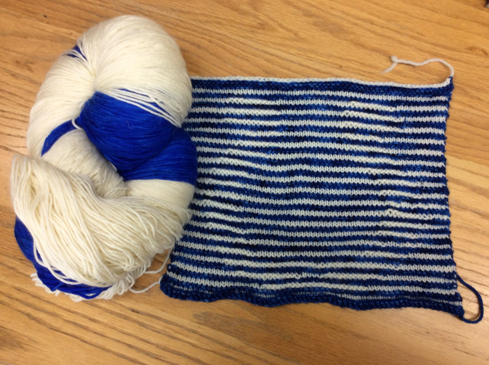 Mittens knitting pattern braid with shadow
